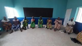 Saratu und ihre Klasse während des coronakonformen Unterrichts.