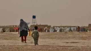 Seit Anfang des Jahres sind rund 400.000 Menschen aus Afghanistan aus ihren Häusern vertrieben worden. Foto: UNHCR/Edris Lutfi